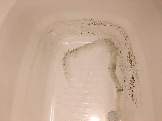 湯張りで黒い汚れが止まらない⑳