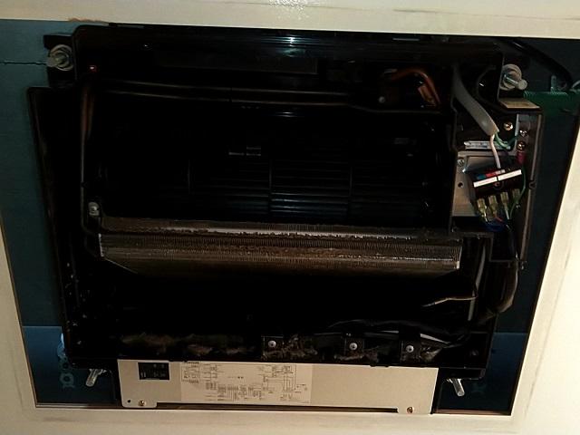 中央区月島 浴室暖房乾燥機清掃①